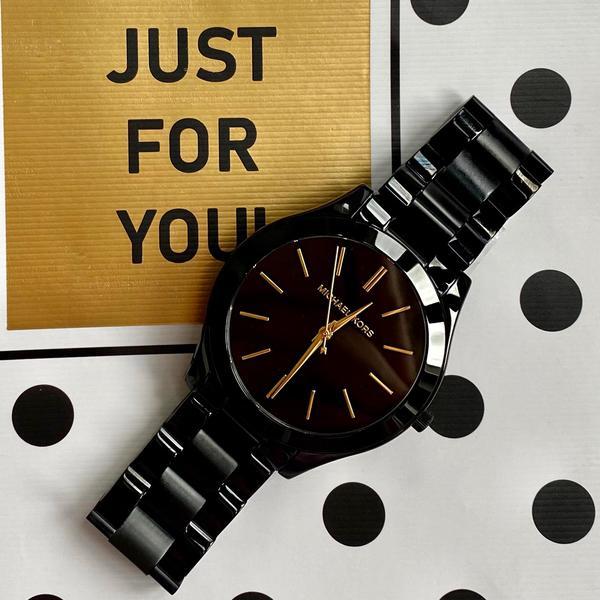 Czarny damski zegarek michael kors kolekcja slim runway black mk3221 mk3221 czarna tarcza z%c5%82ote wskaz%c3%b3wki na czarnej bransolecie autoryzowany sklep michael kors