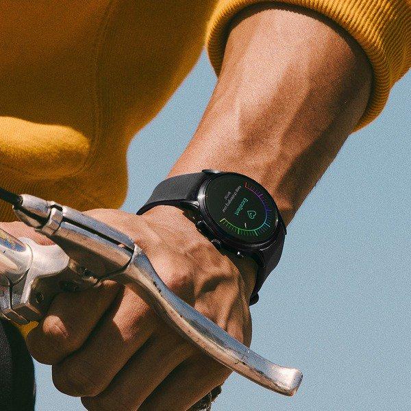 Ftw4025 meski smartwatch fossil na czarnym pasku